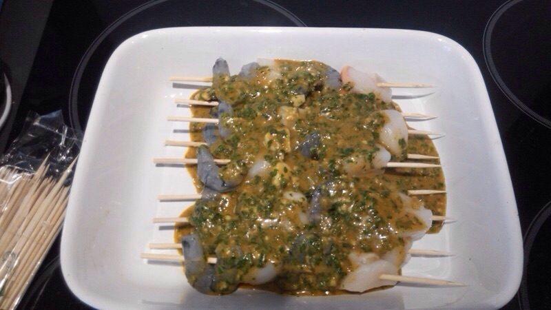 Brochettes de crevettes géantes et de noix de St-Jacques